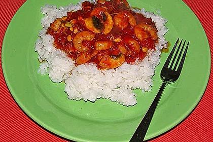 Garnelen in süß-saurer Soße auf Reis