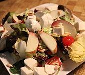 Bunter Blattsalat mit Pfirsichen