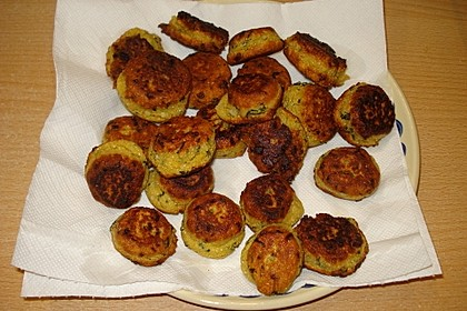 Schnelle Falafel aus Kichererbsenmehl 14