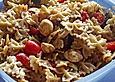 Nudelsalat mit Mozzarella und gebratenen Auberginen