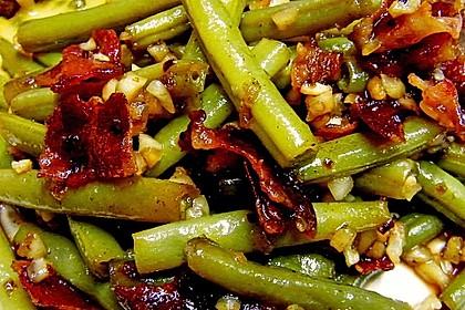 Grüne Bohnen mit braunem Zucker und weißem Balsamico