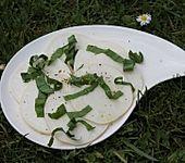 Mairübchen-Carpaccio mit Bärlauch (Bild)