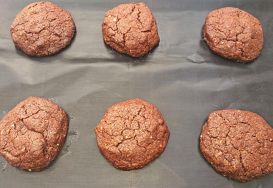 vegane american schoko cookies mit gehackten mandeln rezept mit bild. Black Bedroom Furniture Sets. Home Design Ideas