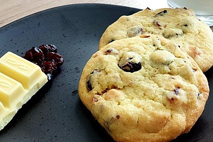 Cranberry White Chocolate Cookies 22