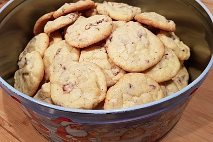 Cranberry White Chocolate Cookies 37