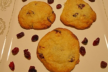 Cranberry White Chocolate Cookies 35