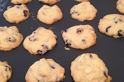 Cranberry White Chocolate Cookies 36