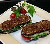Käse-Wildkräuter Sandwiches