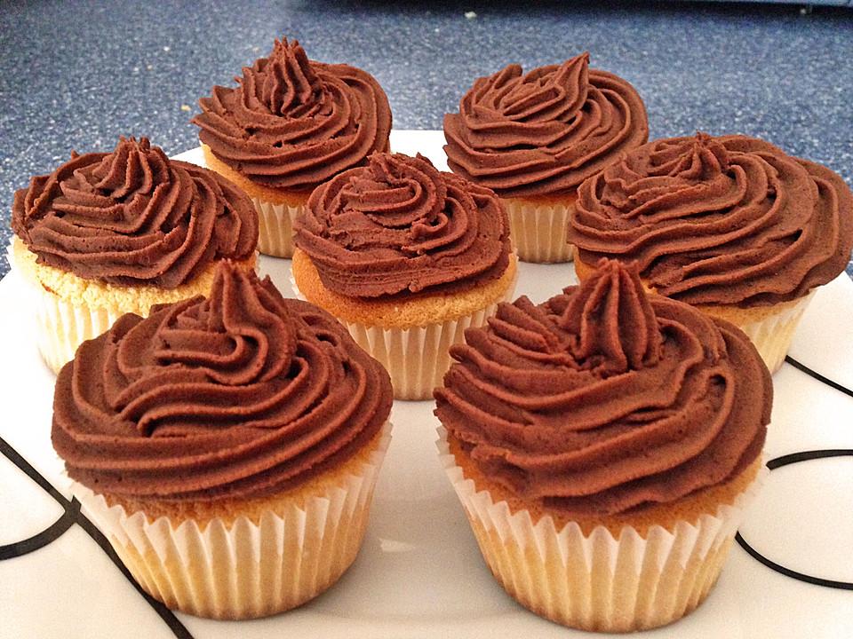 pariser creme cupcakes rezept mit bild von maangoo. Black Bedroom Furniture Sets. Home Design Ideas