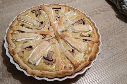 Blätterteig-Quiche mit Feta, Käse, Schinken, Champignons und Camembert 2