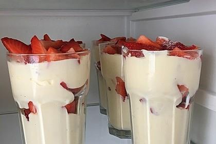 Erdbeer-Pudding-Quark-Dessert 4