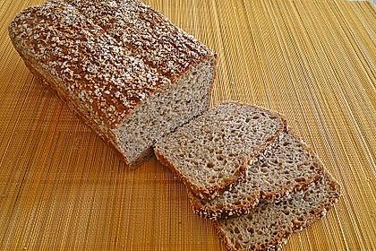 Amaranth-Hirse-Dinkel-Brot 4