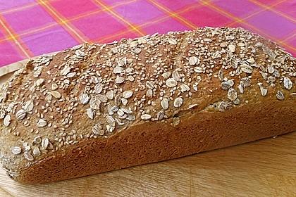 Amaranth-Hirse-Dinkel-Brot 5