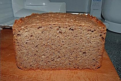 Amaranth-Hirse-Dinkel-Brot 9