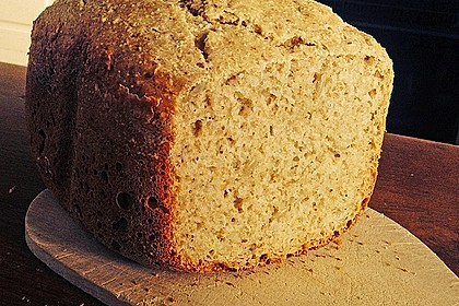 Amaranth-Hirse-Dinkel-Brot 12