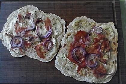 Flammkuchen mit Tortilla-Wrap 53