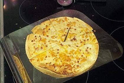 Flammkuchen mit Tortilla-Wrap 49
