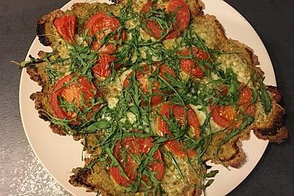 Flammkuchen mit Rucola, Pesto, Cherrytomaten und Mozzarella 20