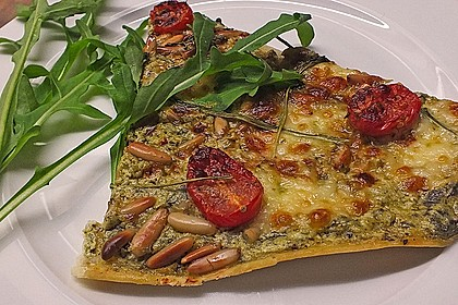 flammkuchen mit rucola pesto cherrytomaten und mozzarella von paula g. Black Bedroom Furniture Sets. Home Design Ideas
