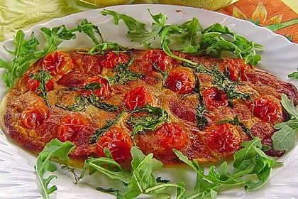 Flammkuchen mit Rucola, Pesto, Cherrytomaten und Mozzarella 3