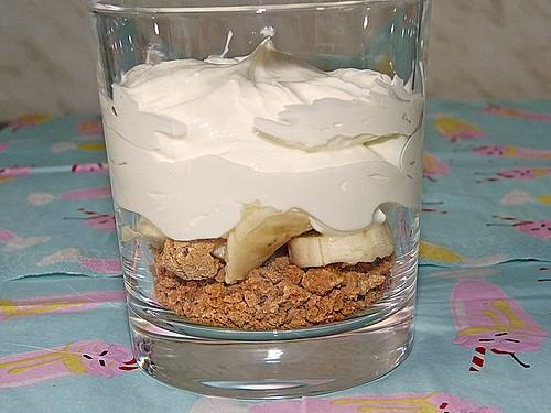 bananen quark trifle rezept mit bild von lollygirl. Black Bedroom Furniture Sets. Home Design Ideas