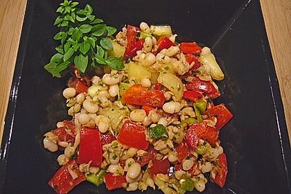 Weißer Bohnensalat mit Thunfisch und Zitronendressing