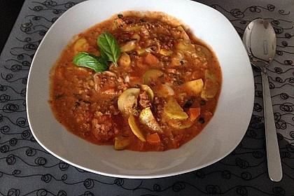 Hackfleischpfanne mit Tomaten und Gemüse 10