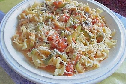 Bandnudeln mit Zucchini und Champignons 8