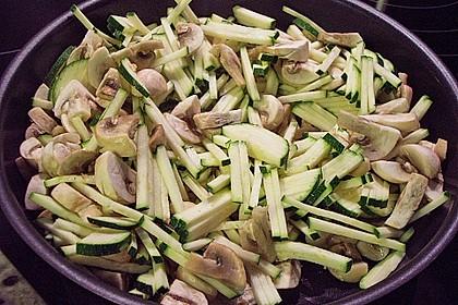 Bandnudeln mit Zucchini und Champignons 9