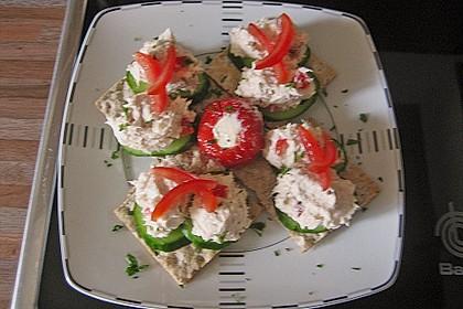 Cracker mit Räucherforellen - Mousse 22