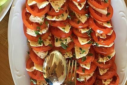 Mozzarella - Tomaten Salat mit Pesto 1