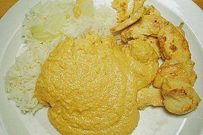 Hühnerbrust mit Erdnusssoße