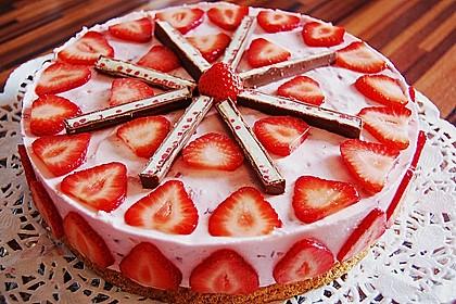Torte mit erdbeeren und yogurette