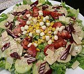 Kefir-Dressing mit gemischtem Salat (Bild)