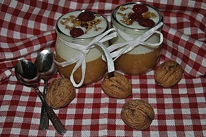 Leichtes Schichtdessert mit Apfelmus und Joghurt 6