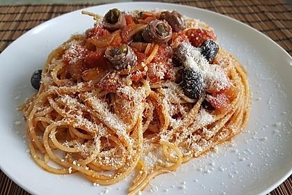 Spaghetti mit Sardellen und Tomaten 1