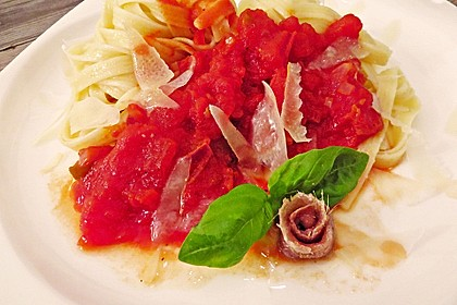 Spaghetti mit Sardellen und Tomaten 5