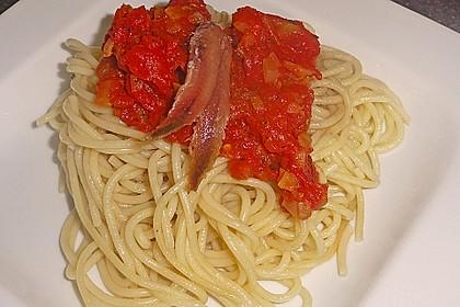 Spaghetti mit Sardellen und Tomaten 4