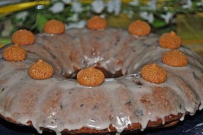 Kleiner Eiweiß-Gugelhupf mit Schokolade und Amarettini 13