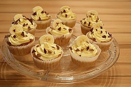 Banana-Split-Cupcakes 8