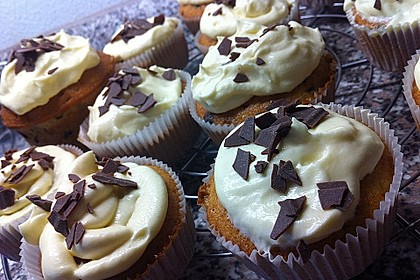 Banana-Split-Cupcakes 25
