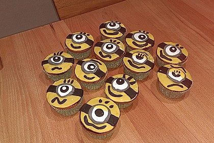 Banana-Split-Cupcakes 22