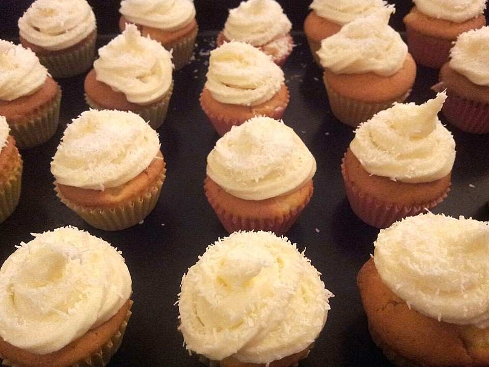 pina colada cupcakes rezept mit bild von cylea. Black Bedroom Furniture Sets. Home Design Ideas