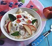 Pfirsichquark mit frischen Pfirsichen (Bild)