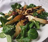 Feldsalat mit gebratenen Birnen und Bacon (Bild)