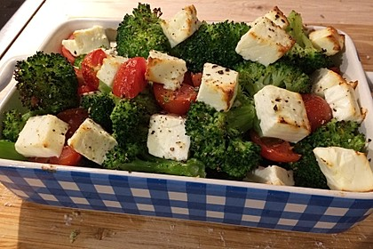 Brokkoli-Tomaten-Feta-Auflauf