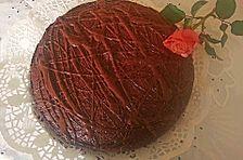 Schokoladenkuchen mit Kakaopulver