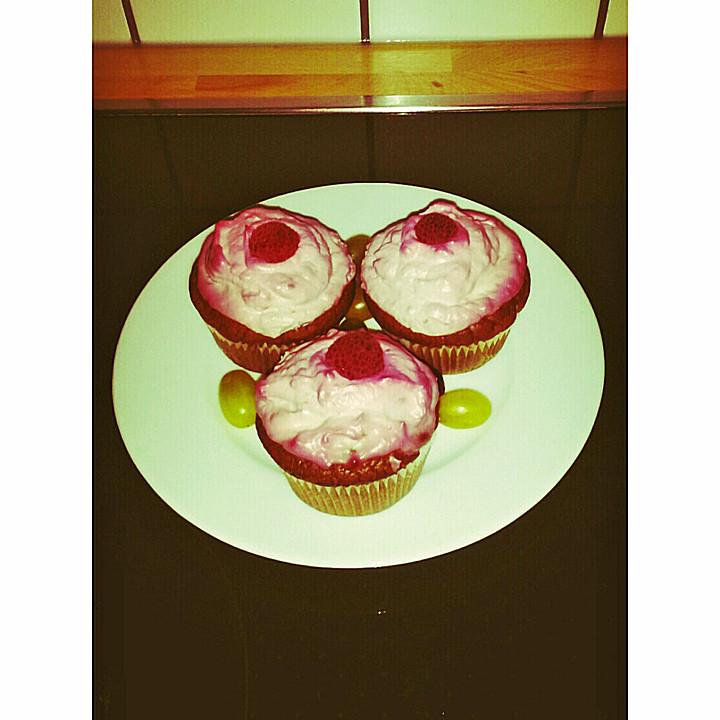 schoko cupcakes mit himbeercreme rezept mit bild. Black Bedroom Furniture Sets. Home Design Ideas
