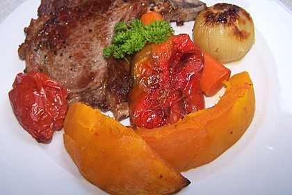 Ofengemüse mit Kürbis und Knoblauch-Paprika-Dip 1