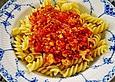 Pasta mit veganer Bolognese